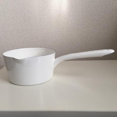 ニトリ,ホーロー・ミルクパン・白 内寸15cm,耐熱ガラスマグカップ 200ml,リーフプレート,nitori