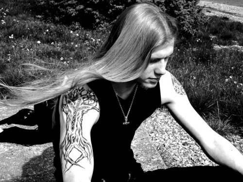 Bateu o Tédio: 5 músicas que um headbanger escuta na sofrência