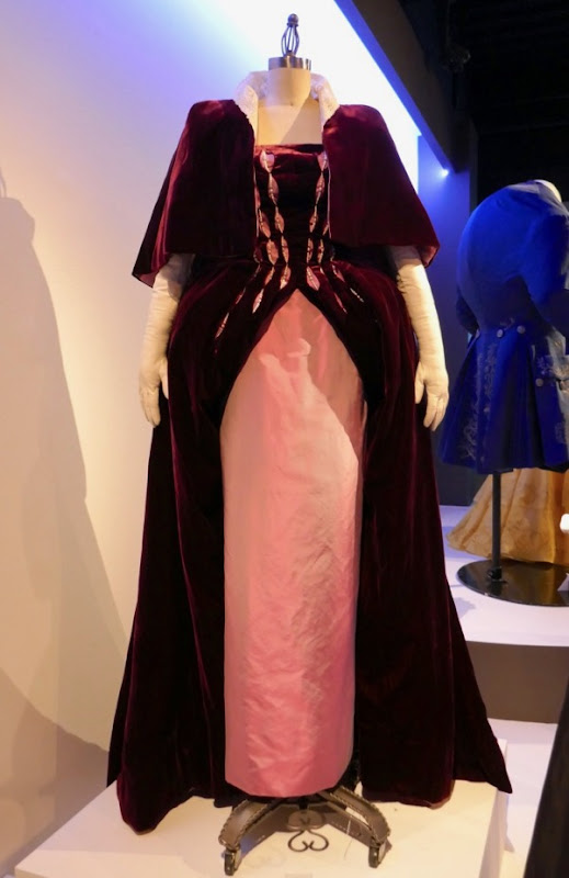 Phantom Thread Countess Henrietta Harding costume