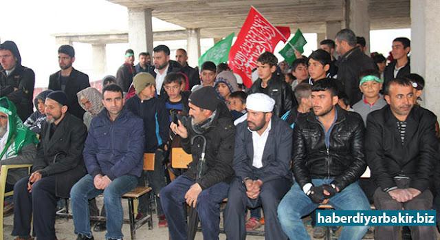 DİYARBAKIR-Peygamber Sevdalıları Platformu tarafından Diyarbakır'ın Hani ilçesine bağlı Anıl (Mixrîan) köyünde Kutlu Doğum etkinliği düzenlendi.