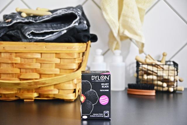 DIY | Lieblingsklamotten mit Dylon Textilfarbe auffrischen - schwarz ist das neue grau | luziapimpinella.com