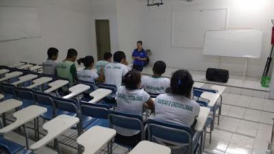 """Projeto: """"Sala de Aula Invertida: uma nova metodologia para o ensino"""""""