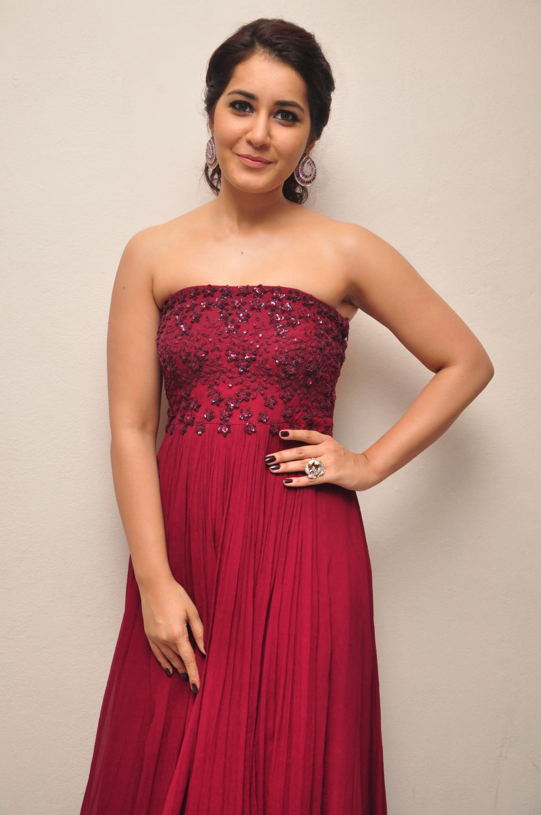 Rashi Khanna Photos In Maroon Top