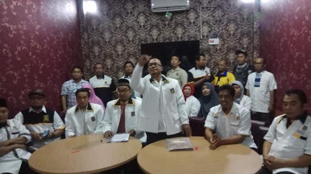 Puluhan Pengurus Serta Kader PKS Binjai Menangis Saat Buka Seragam & Secara Tegas Nyatakan Keluar Dari Keanggotaan PKS