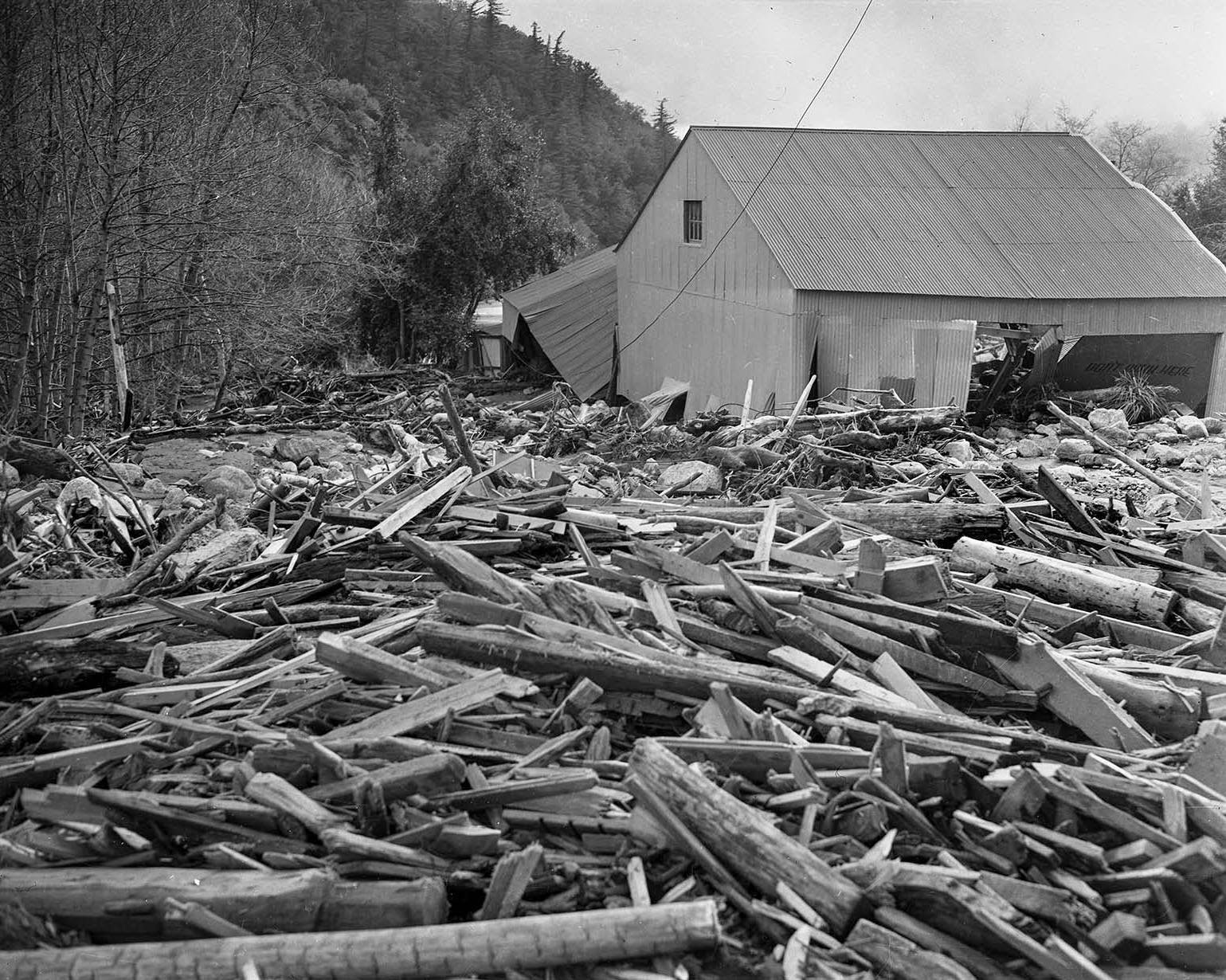35 Black And White Photos Of The 1938 Los Angeles Flood