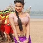 Vettai movie stills Amala paul navel show