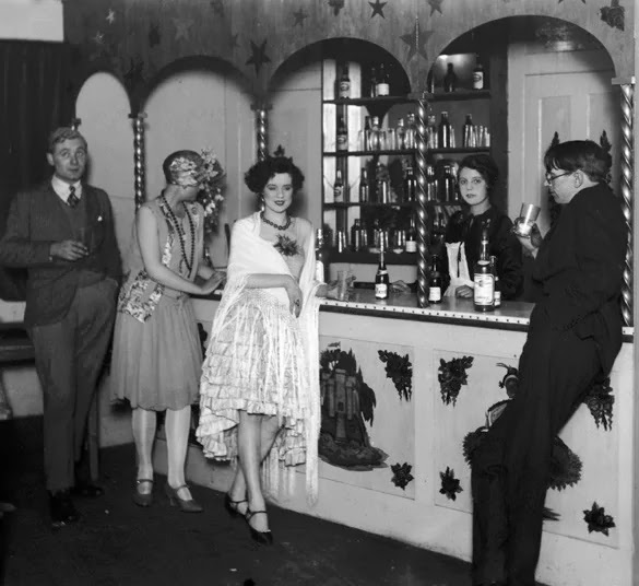 What Was It Like To Live In The 1920s? Here's An Amazing
