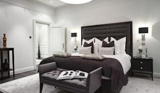 Kombinasi Hitam Putih Pada Ruang Tidur