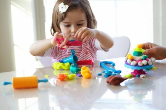 Rekomendasi Mainan Edukasi untuk Anak Usia 2 Tahun yang Tepat