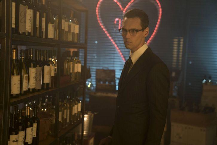 Gotham - Episode 3.06 - Follow the White Rabbit - Promo, Promotional Photos + Press Release