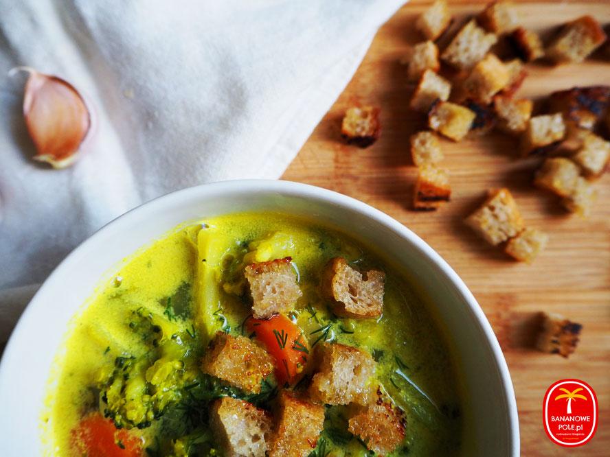 zupa brokułowa ze smietanką wegańska