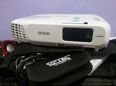Projektor ini saya beli dengan harga RM1000 secara online