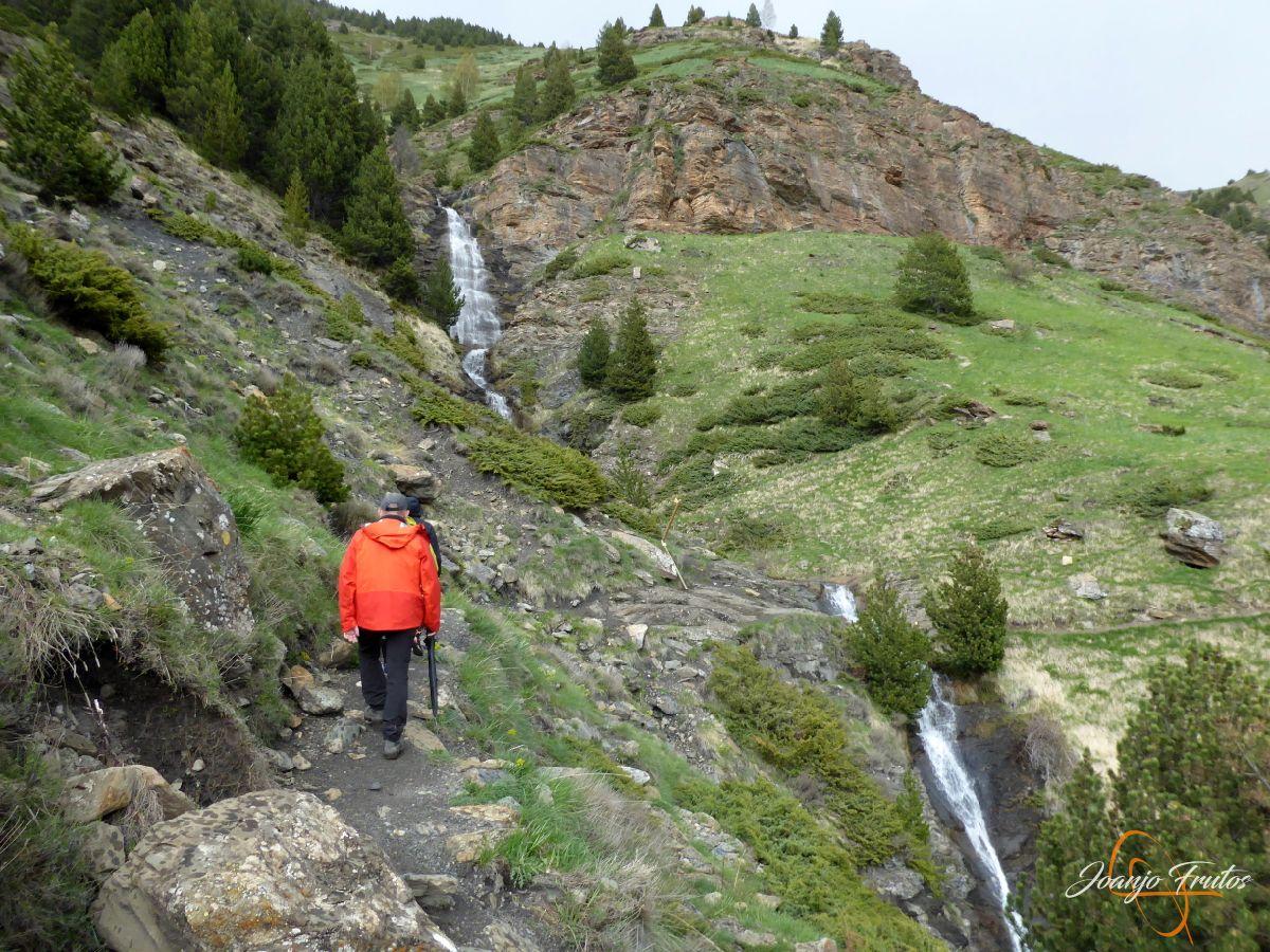 P1140114 - Ruta Las Tres Cascadas de Cerler con mucha agua