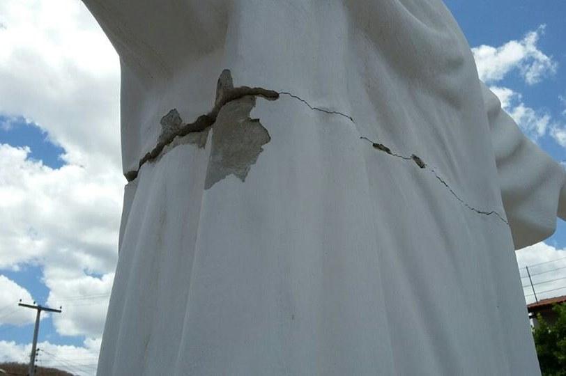 9ccab438014 ConceiçãoPBOnline  Estátua do Cristo Redentor sofre vandalismo
