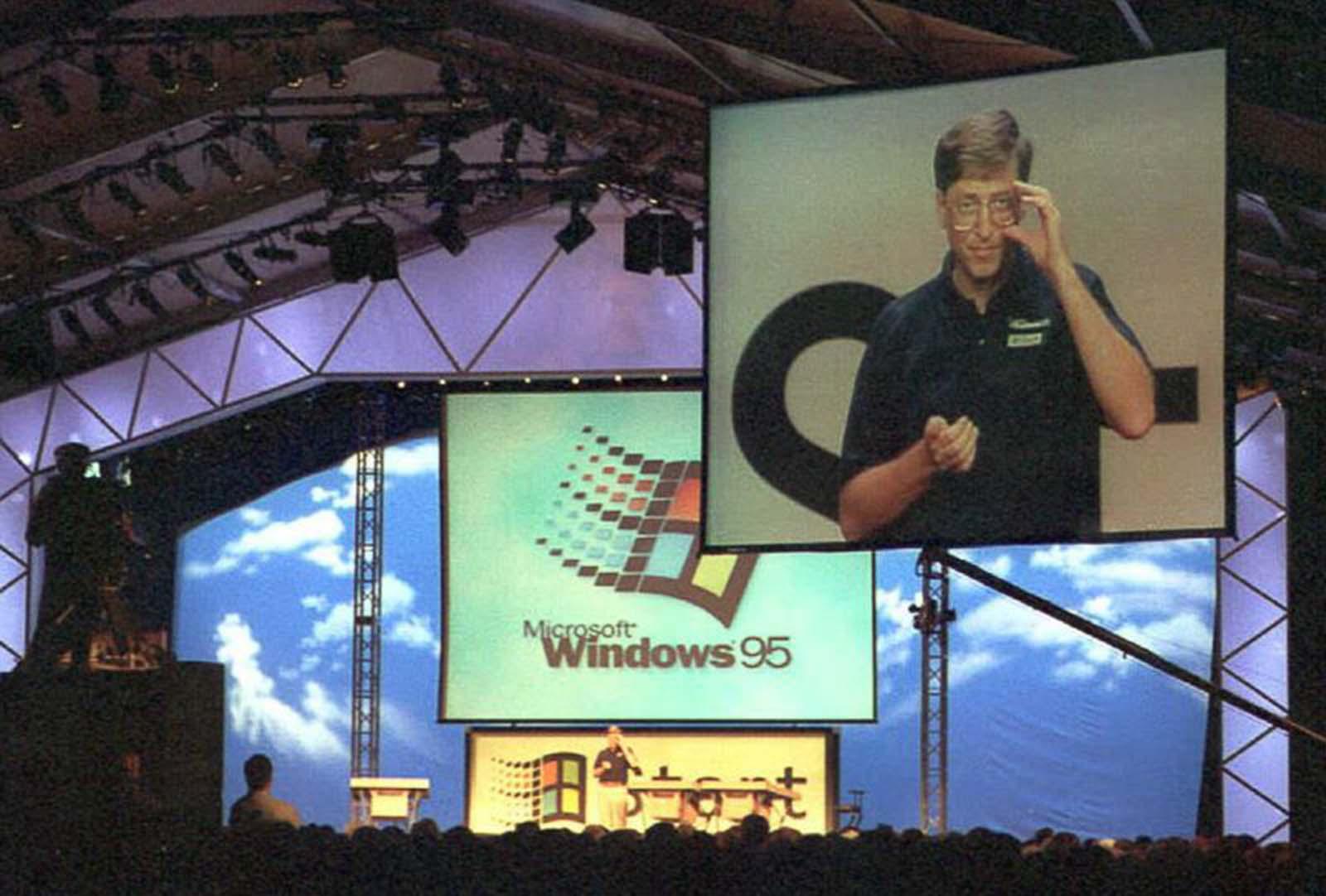 Windows 95 launch%2B%25286%2529 - Relembre a enorme histeria do lançamento do Windows 95 em 1995