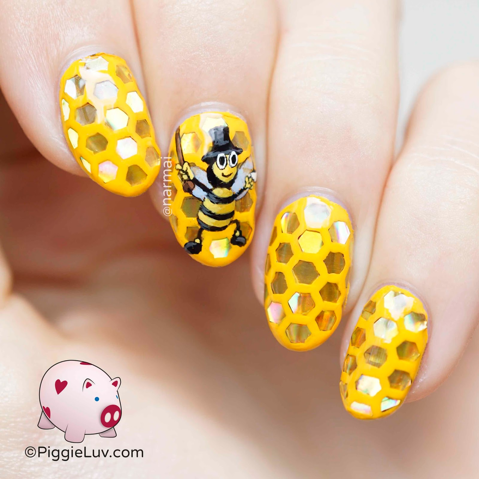 Piggieluv showbiz bee nail art showbiz bee nail art prinsesfo Choice Image