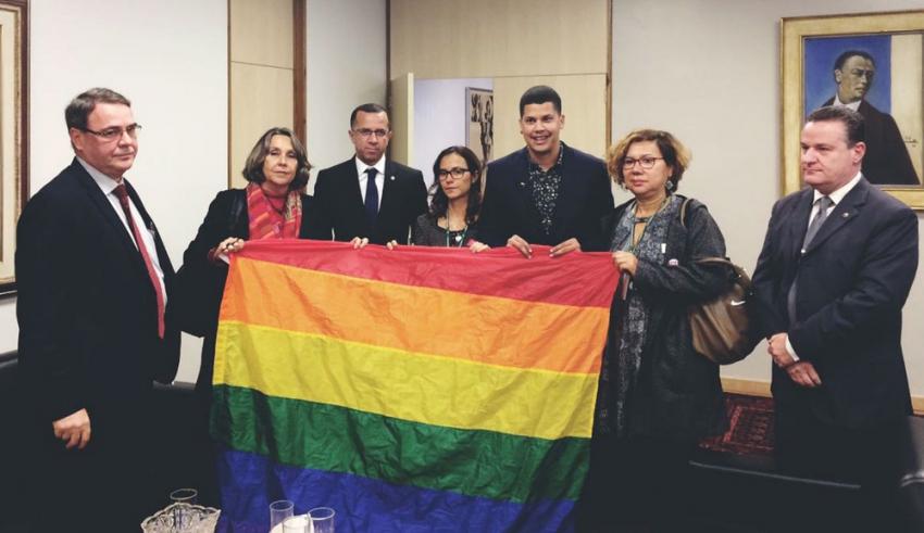 PT aciona Justiça para reverter anulação de lei que pune LGBTfobia no DF