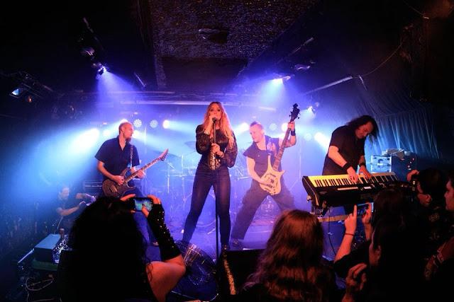 Το συγκρότημα Amberian Dawn