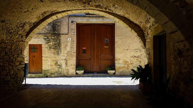 Peratallada Villa Medieval