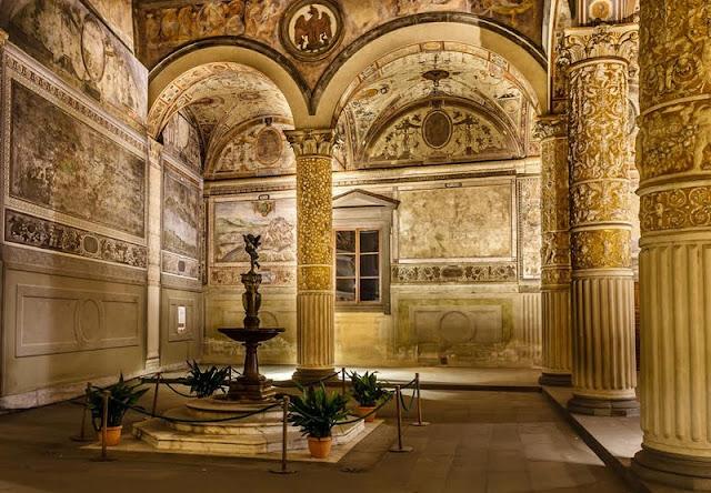 Interior do Palazzo Vecchio em Florença na Itália