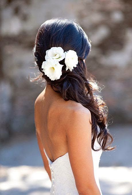 5 Romantic Wedding Hairstyles