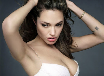 Angelina Jolie Bold