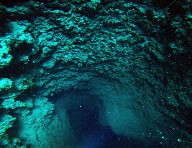 podvodna pecina