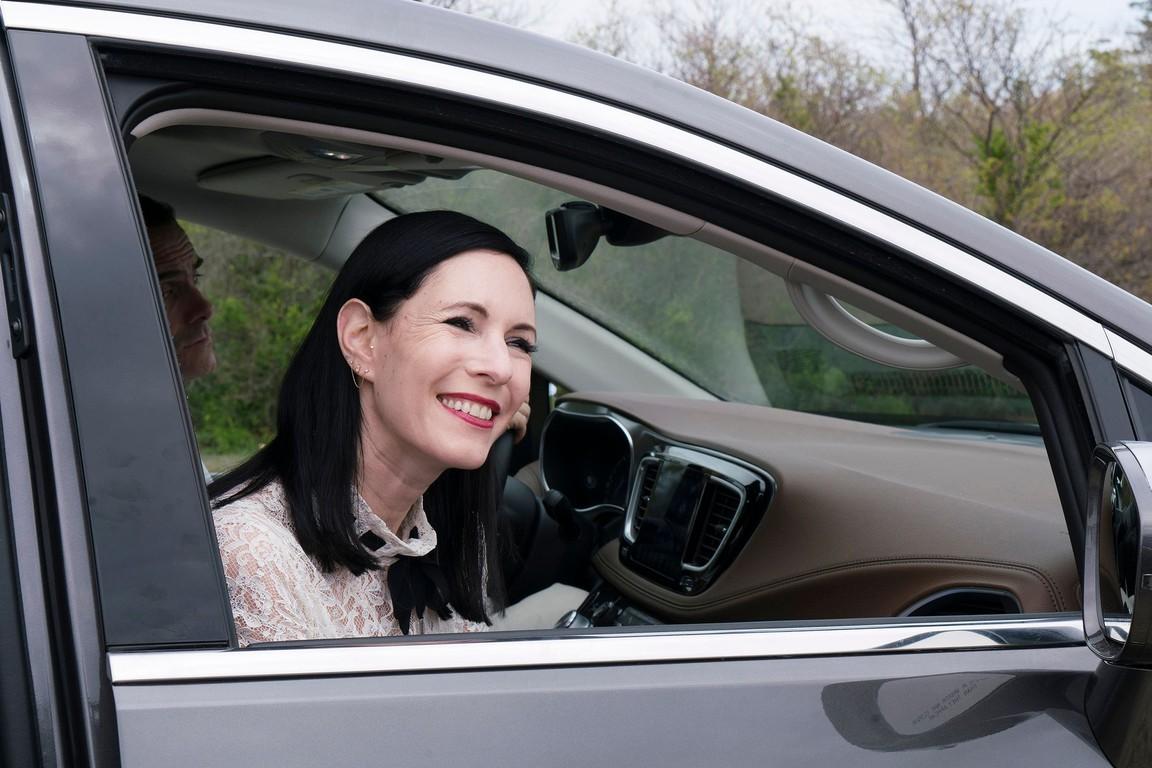Odd Mom Out - Season 2 Episode 09: The Hamptons