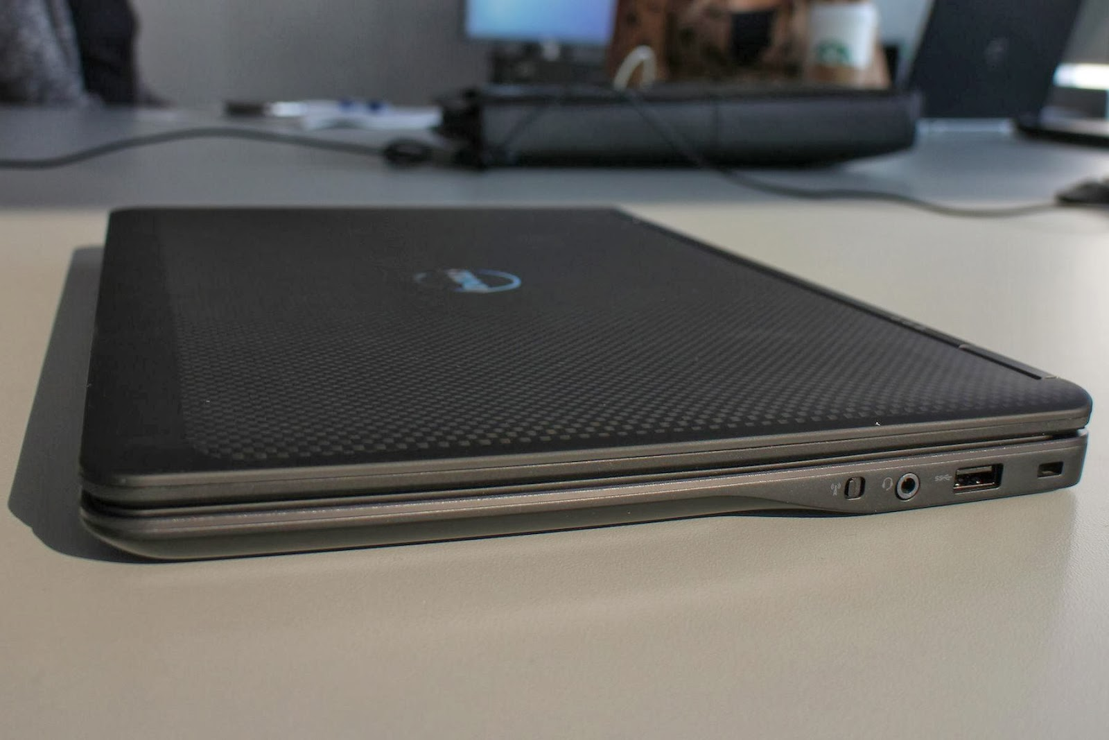 Dell Latitude E Right Ports in addition  further Msi Wind U together with P also Gelas Penyo. on samsung card reader