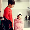 Song Ji Hyo looks cute while being wrapped by a blanket
