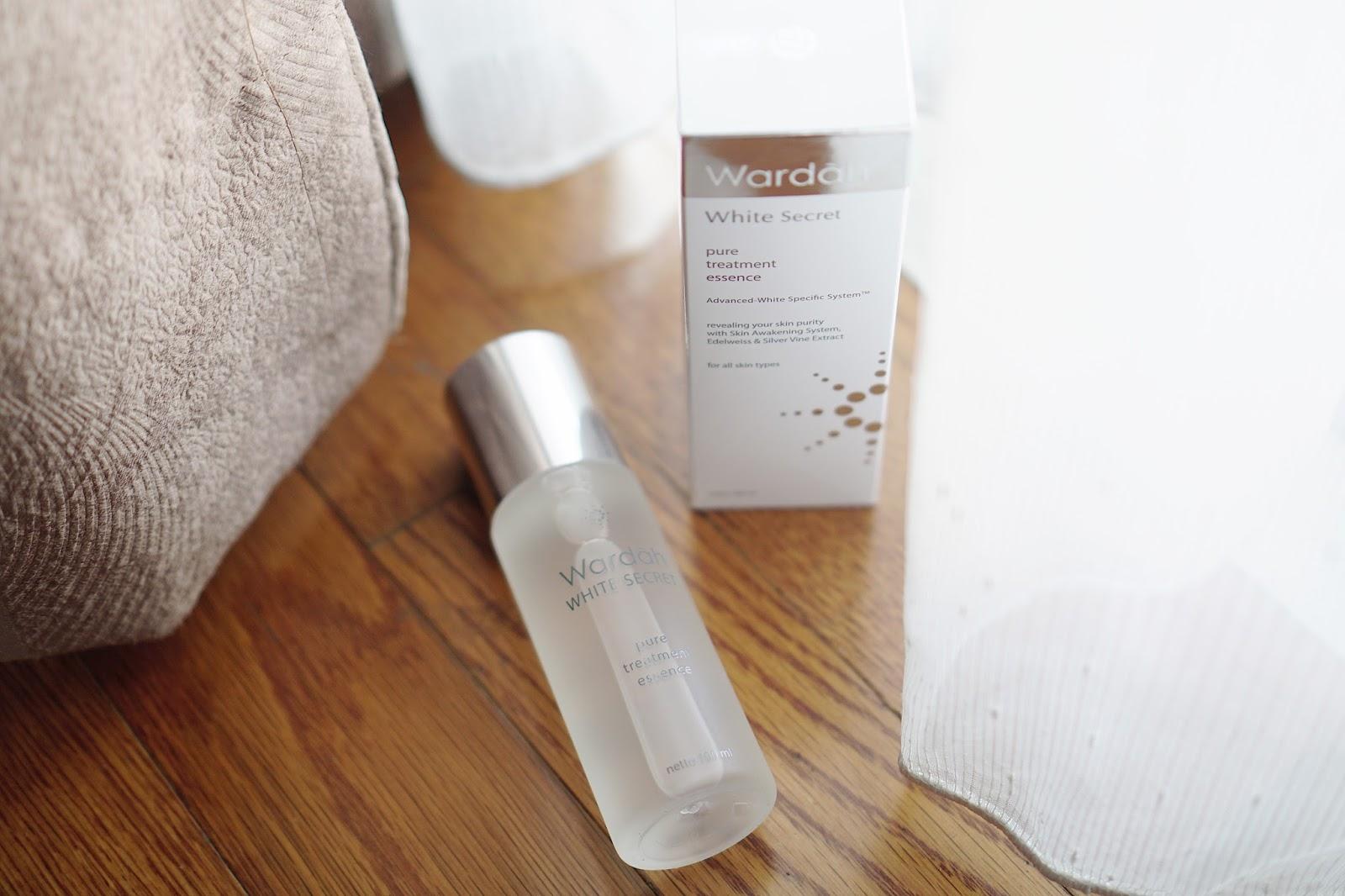 Review Wardah White Secret Pure Treatment Essence Bahasa Maria Lalu Pijat Sedikit Dan Biarkan Dia Menyerap Trus Kalian Bisa Langsung Lanjut Ke Night Cream Atau Day Pakai Ini Untuk Pagi