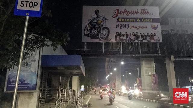 Baliho #2019TetapJokowi 'Keren & Gaul' Hiasi Kota Palembang