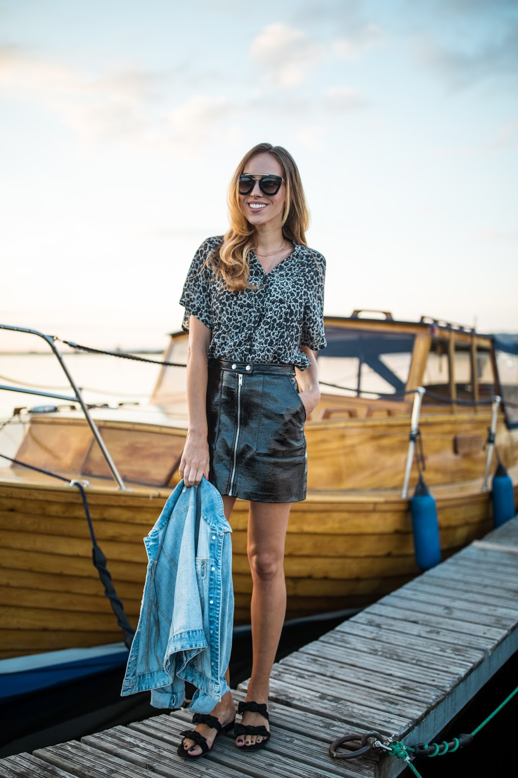 black leather mini skirt leopard shirt minimalist summer outfit