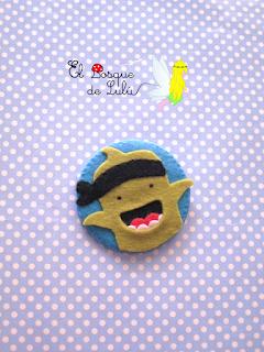 broche-fieltro-regalo-personalizado-logo-ClassDojo-elbosquedelulu-hechoamanoparati