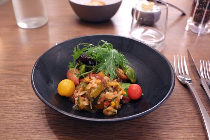 Salat  - Autour d'un Cep