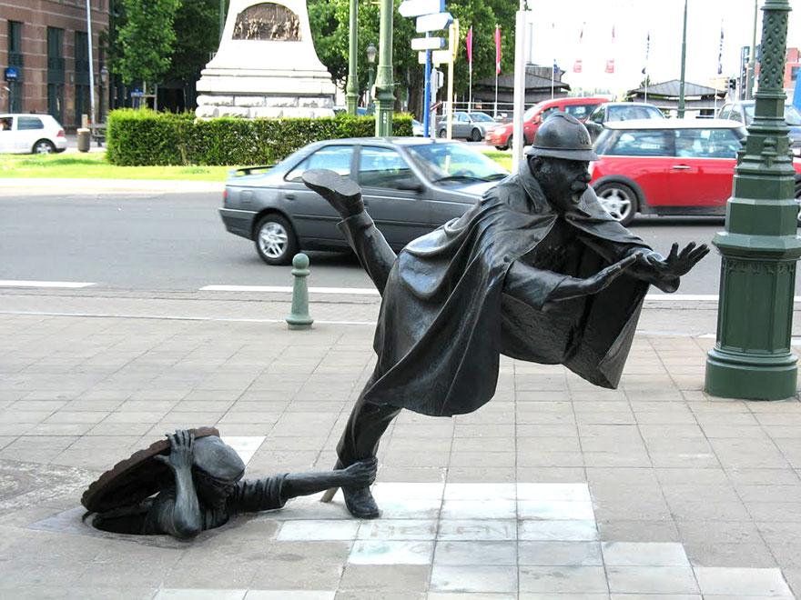42 Of The Most Beautiful Sculptures In The World - De Vaartkapoen, Brussels, Belgium