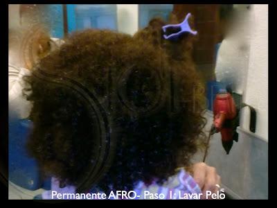 pelo afro recién lavado
