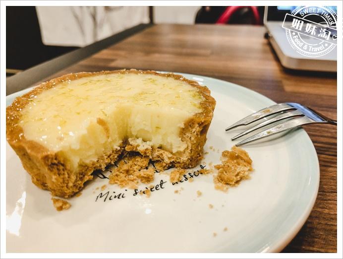 台北甜點櫃子-把櫃子的甜點,也放進第一個胃裡。