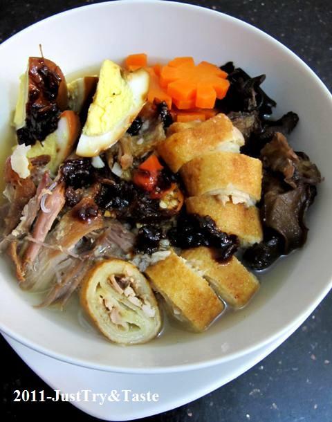 Resep Timlo Solo dengan Telur Masak Kecap, Sosis Solo, Wortel dan Jamur Kuping