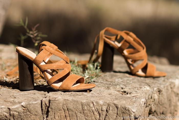 tendencia zapatos de la temporada sandalias bonitas de ante marrón tacon de madera
