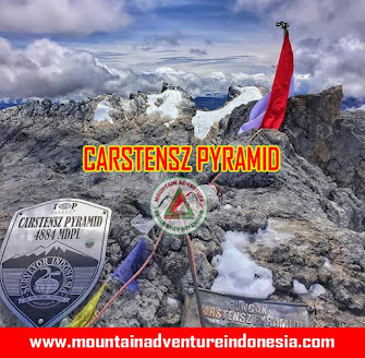 Carstensz Pyramid Via Helikopter