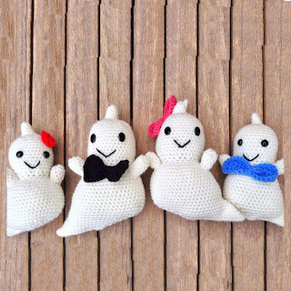 free Crochet patterns for Halloween ghosts!