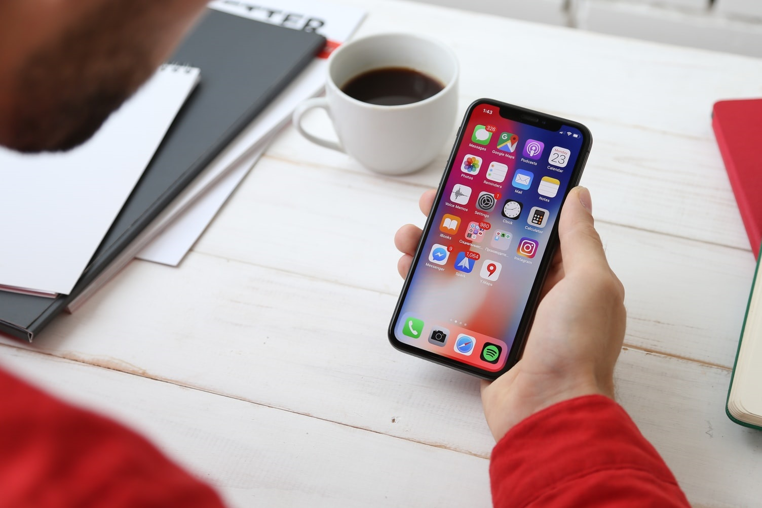 4 Types of Apps You Should Delete From Your Phone For A Better 2020!