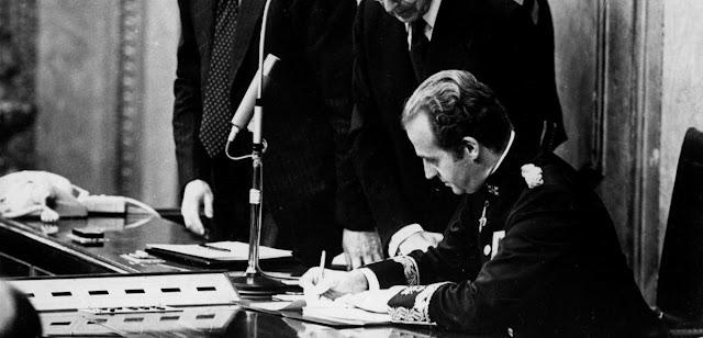Rey Don Juan Carlos y Constitucion