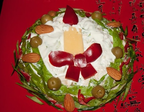 закуски новогодние, закуски рождественские, новогоднее оформление блюд, рождественское оформление блюд, лучшие новогодние салаты, лучшие рождественские салаты, Новый год, Старый Новый год, Рождество, оригинальное оформление блюд, салаты слоеные, салаты майонезные, как приготовить новогодний салат, как оформить новогодний салат, новогодний декор, новогоднее застолье, новогоднее угощение, салаты, закуски, салаты праздничные, закуски праздничные, Изумительные новогодние салаты и закуски. Рецепты и идеи оформления, блюда новогодние, блюда рождественские, стол новогодний, стол рождественский, салаты, салаты новогодние, Новый год, Рождество, еда, рецепты кулинарные, кулинария, идеи оформления блюд, коллекция рецептов, рецепты новогодние, рецепты 2019, Новый год 2017, http://prazdnichnymir.ru/