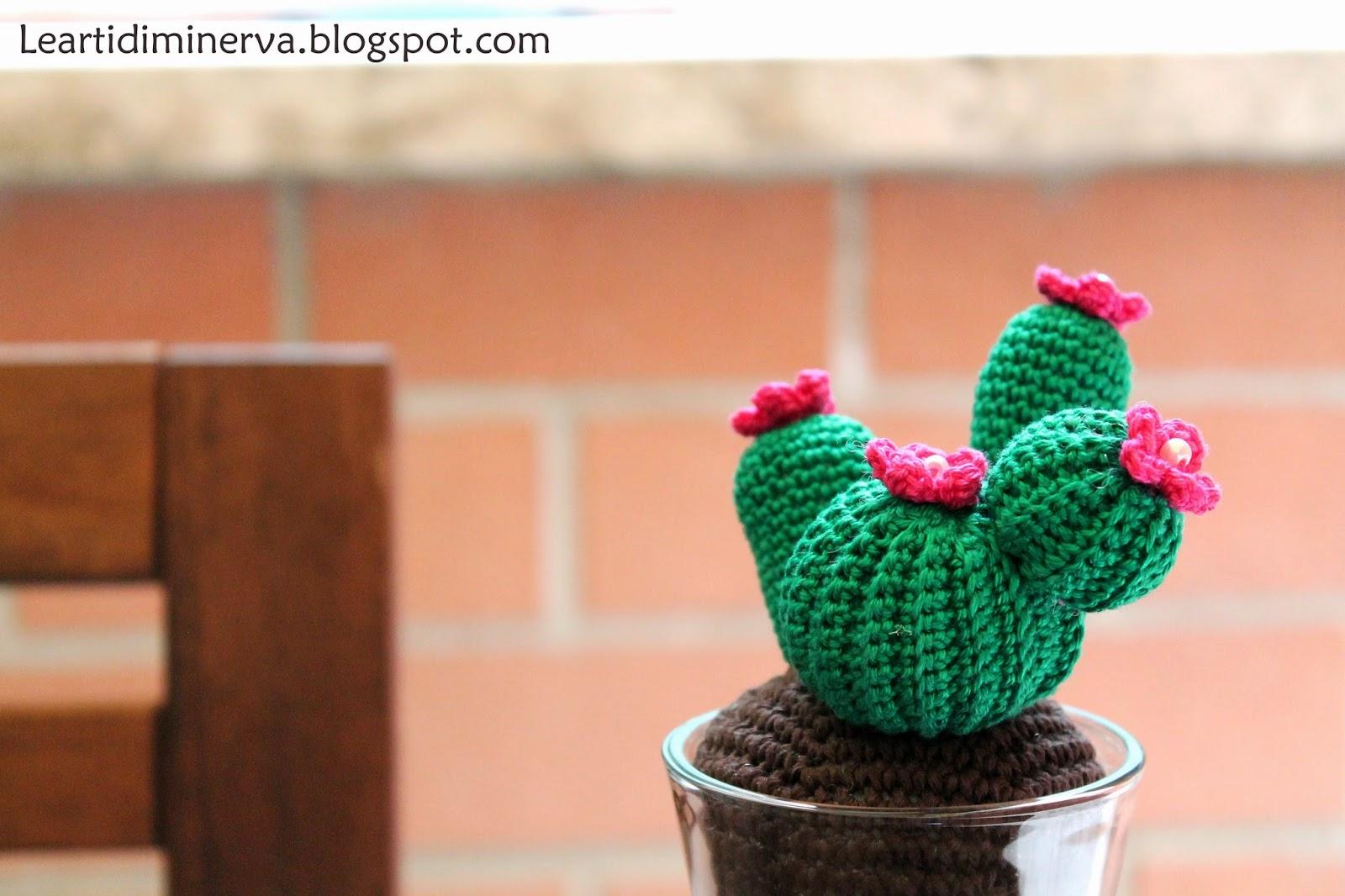 Crochet a Cactus: Classic Cactus Flower Pot - YouTube | 1066x1600
