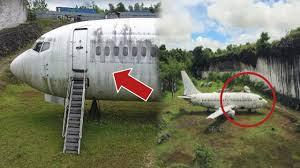 Pesawat Misterius