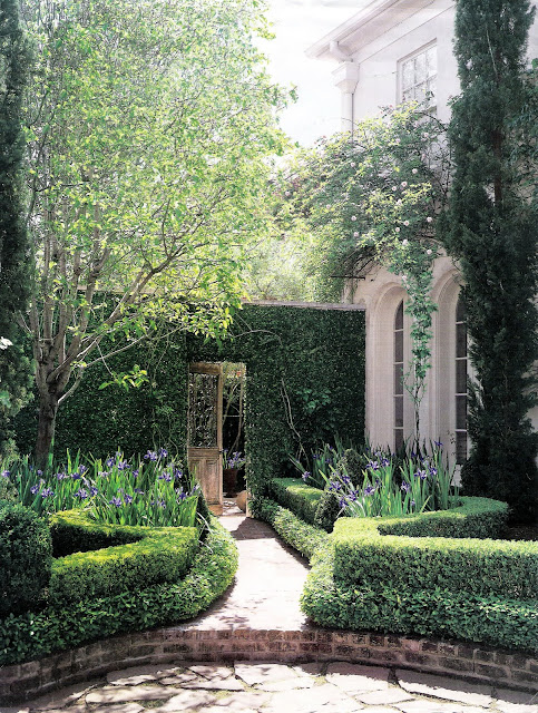 Veranda Magazine, garden entrance through vine-covered wall, edited by lb for linenandlavender.net, http://www.linenandlavender.net/2011/07/patience-my-dear.html