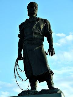 Estátua O Laçador - Porto Alegre