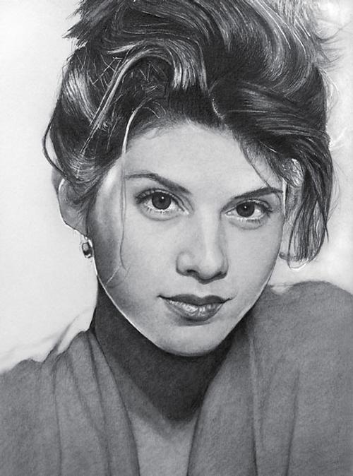 10-Marisa-Tomei-ekota21-Very-Detailed-Celebrity-Portrait-Drawings-www-designstack-co